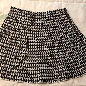XOXO XL medium length skirt. Thick material.